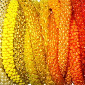 weiß-,gelb-,orange-,rot-,rosa-,violett-,lila- & nudetöne